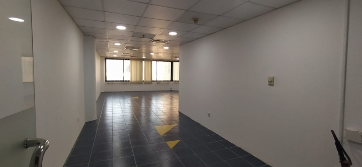 Chiller Free | Fitted office space near to metro | with Free parking2